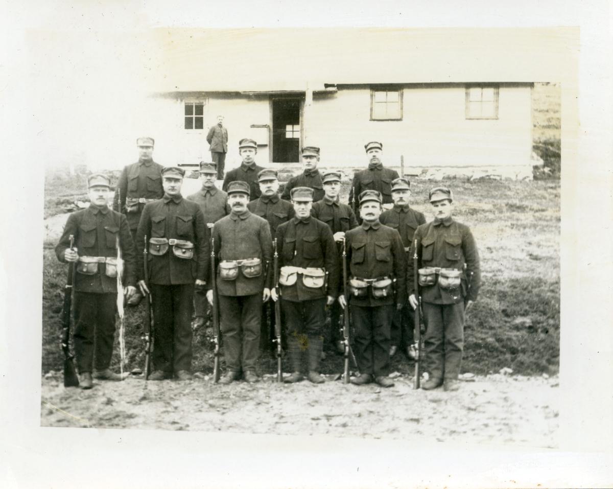 Nøytralitetsvakt i 1915. Folk fra Heggebygda og Midtre Hegge, Øystre Slidre.
