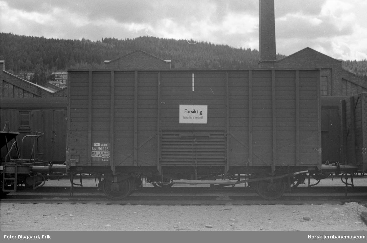 Flisvogn litra Lt4 nr. 50225 på Sundland