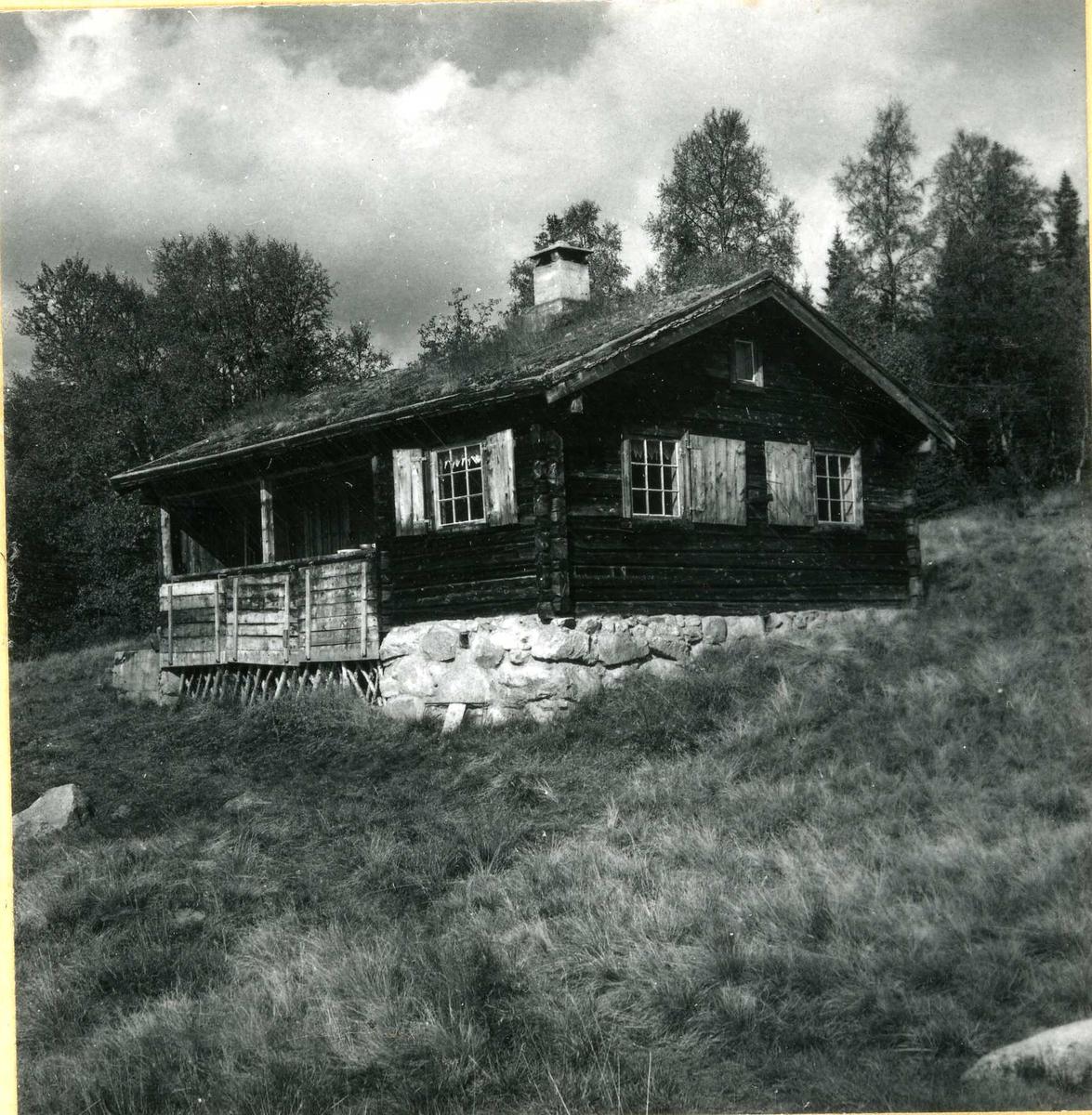 340 Lafta hytte med torvtak