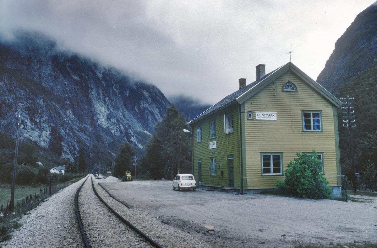 Flatmark stasjon. Romsdal.
