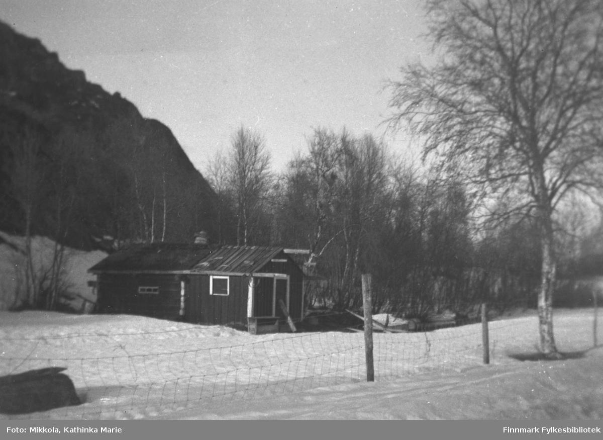 Gamlebadet på gården Mikkelsnes i Neiden