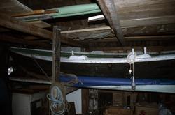 Færing - oversiktsbilde av båten i miljøet