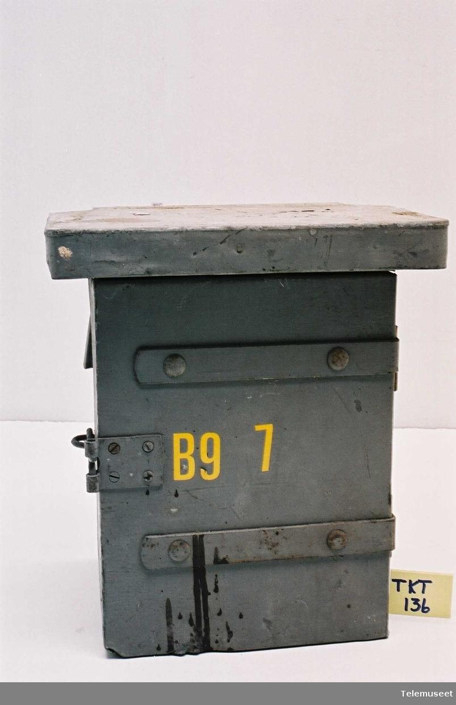 Kassen er beregnet for stolpemontasje