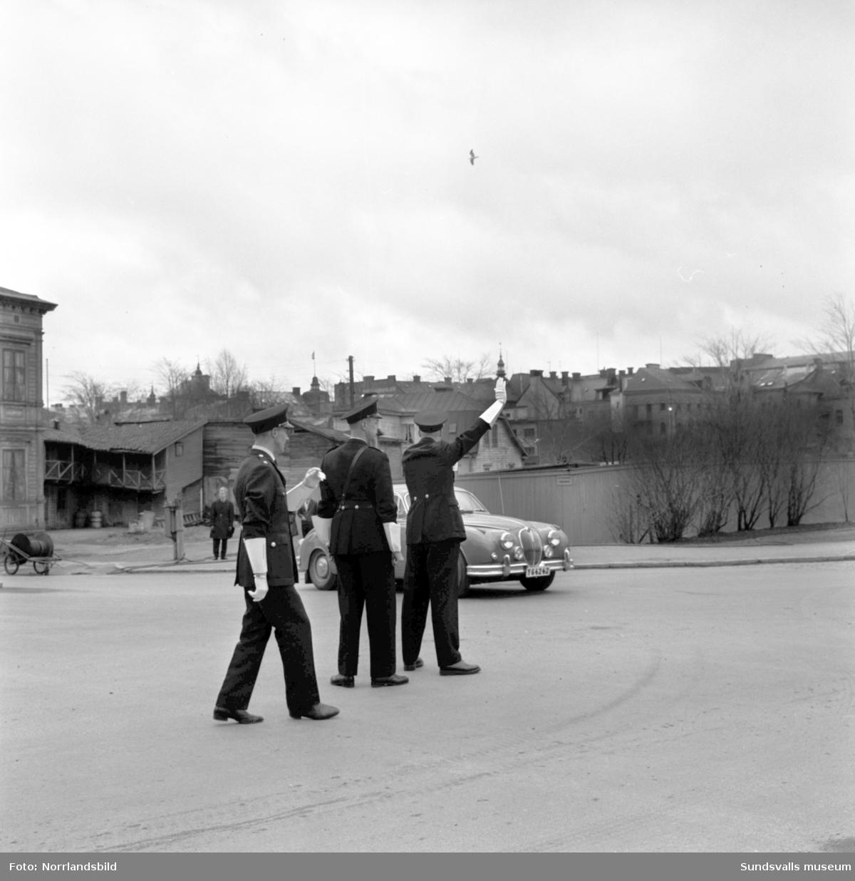 Barntrafikskola och trafikpoliser.