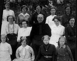 Kvinneforening (Barneforening). Sveinall.