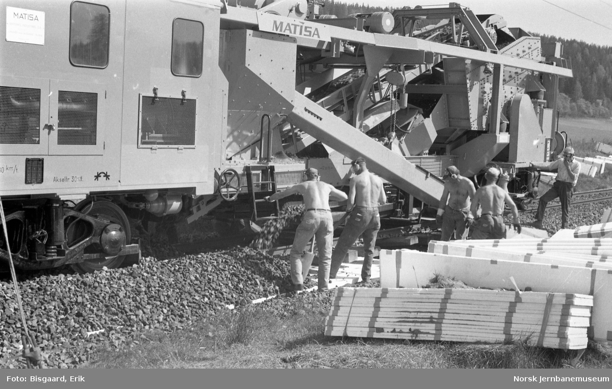 Ballastrenskeverk Matisa 12CB8 NSB Xrsm 1309 ved Skotbu