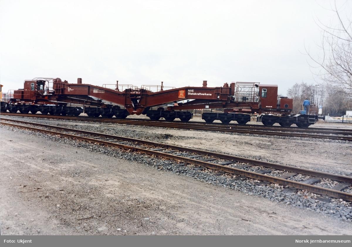 Nybygd transformatorvogn litra Uaai nr. 995 8000 ved levering fra tyske MAN til NVE Statskraftverkene