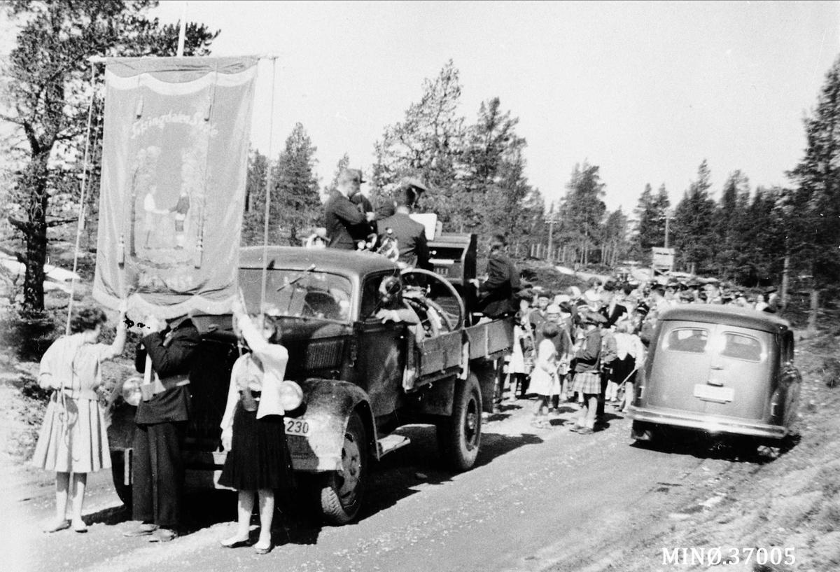 17. mai ca. 1959 i Bakkvegen.
