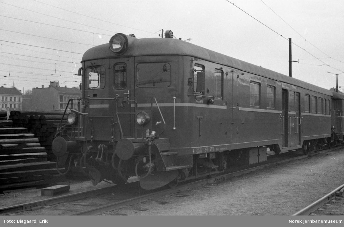 Styrevogn for motorvogntog BFS 65 70 på Ski stasjon