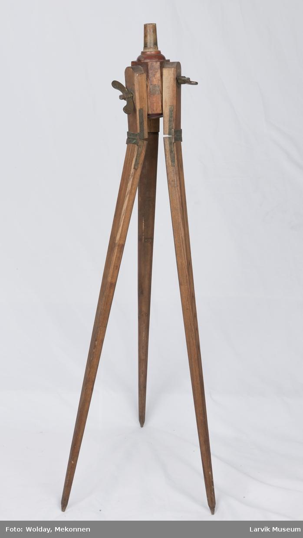 Stativ til måleinstrument, på 3 justèrbare bein, 3 skruvinger