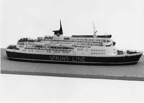 Vattenlinjemodell av Viking Lines MARELLA byggd 1970 av Brodogradiliste Titovo, Kraljevica, Jugoslavien.
