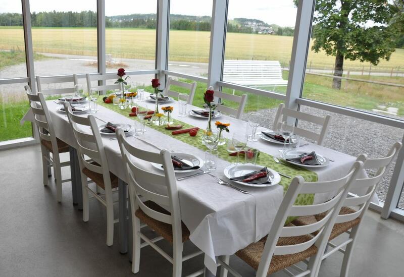 Selskapslokaler i kafeen på Folkenborg. Foto: Hilde Lauvland (Foto/Photo)