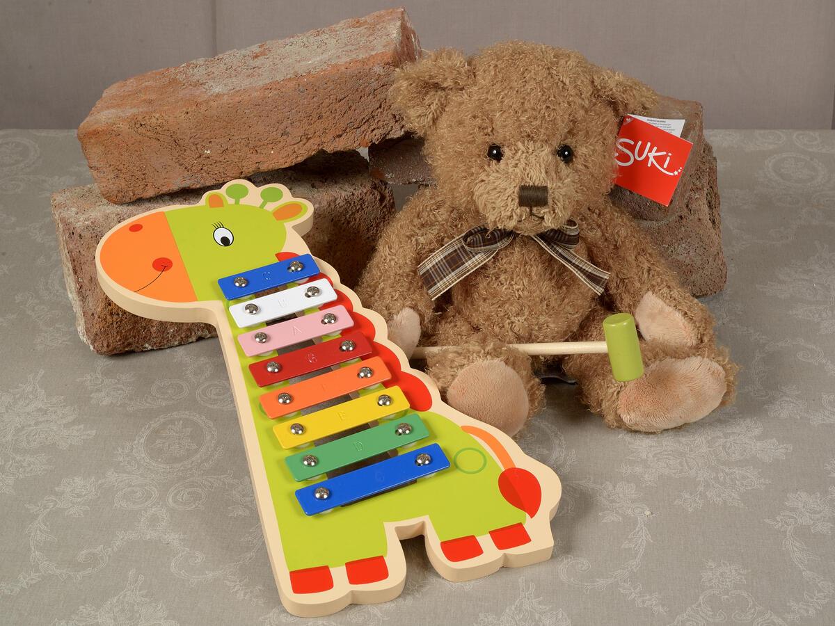 Klassisk teddybjørn kr. 299,- Xylofon kr. 335,- (Foto/Photo)