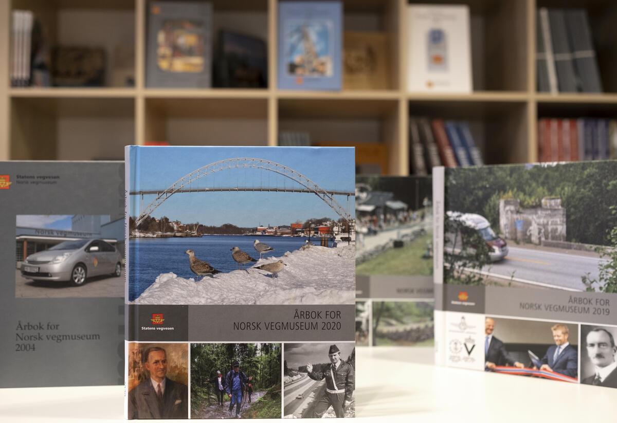 Årbøker for Norsk vegmuseum. Foto: Morten Reiten/Norsk vegmuseum (Foto/Photo)