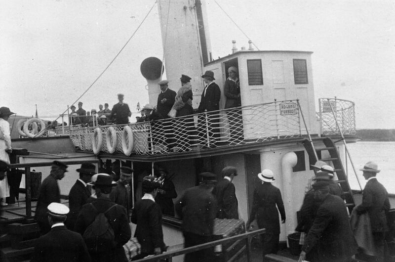 Ombordstigning for reise, Skibladner. Foto: Mjøsmuseet. (Foto/Photo)