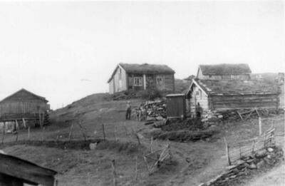 Gården Grøsnes , Gratangen i Troms, også fotografert av Hilmar Stigum. (Foto/Photo)