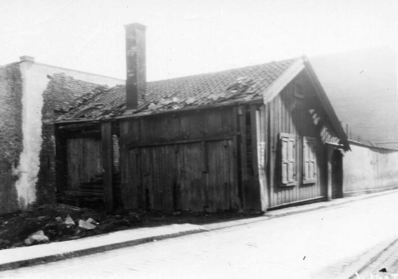 Chr. Kroghs gate 16 før riving i 1933. (Foto/Photo)