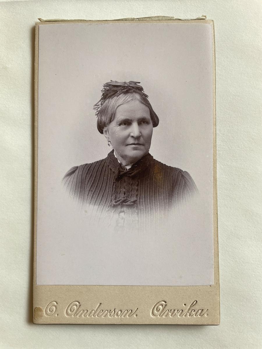 Porträtt av grevinnan Ida Adlersparre.