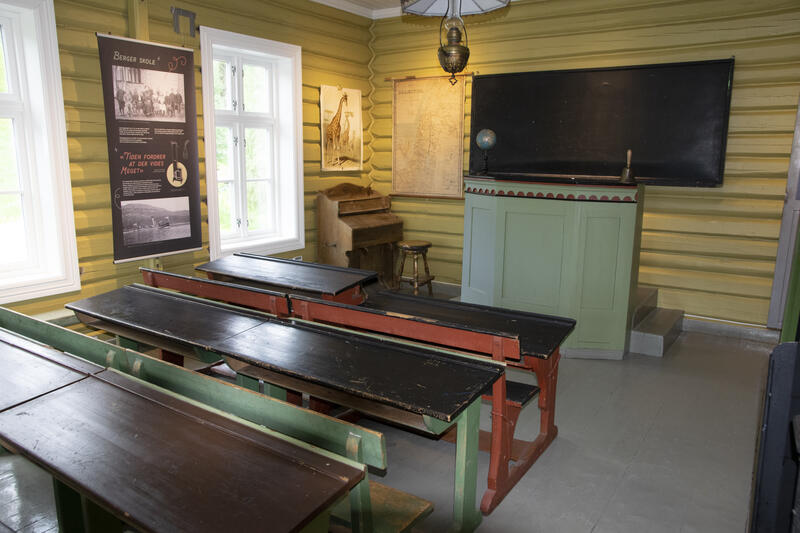 Klasserommet med utstillingen (Foto/Photo)