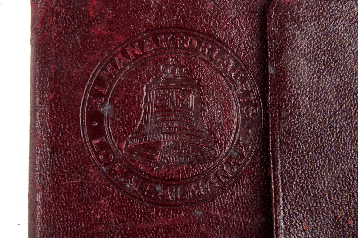 To nesten identiske almanakker, forholdsvis fra 1916 og 1926.