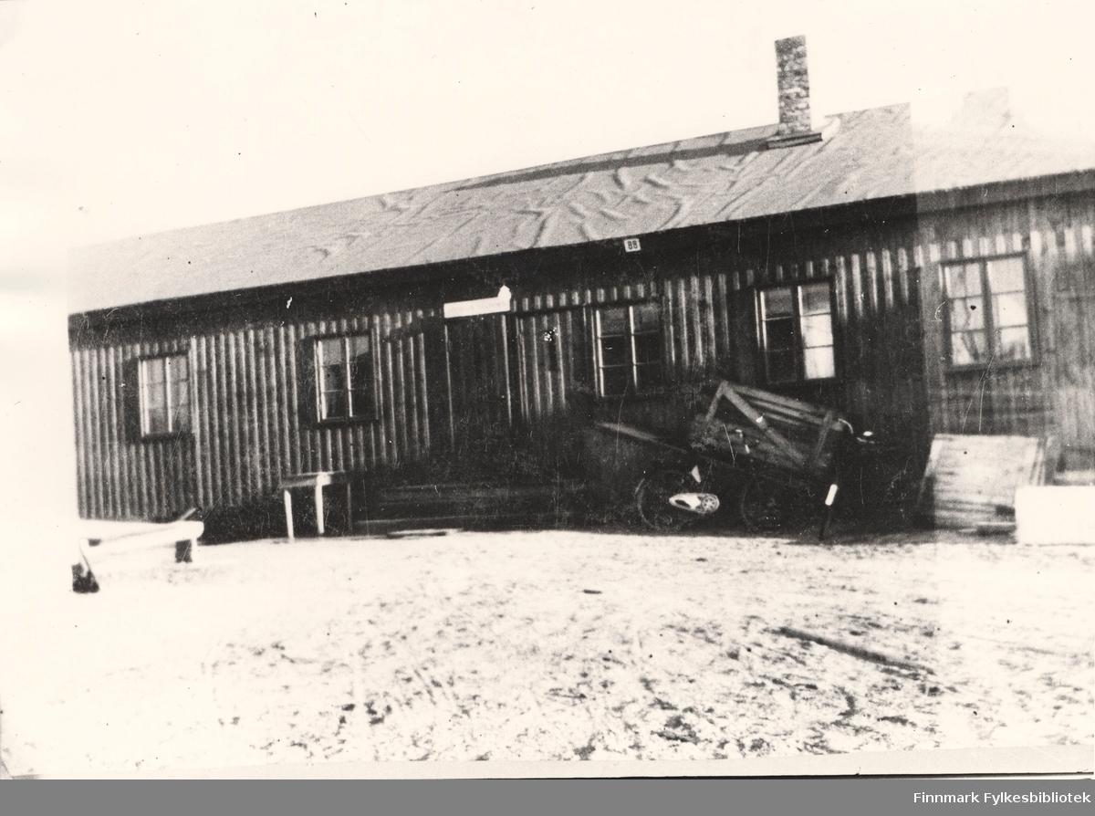 Her ser vi Finnmark Vegkontor i Vadsø sommeren 1946. Det ble tatt i bruk mai 1946.