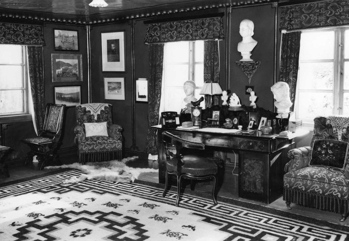 Aulestad, interiør, postkort, arbeidsværelse, kontoret, skrivebord, byste, stoler,
