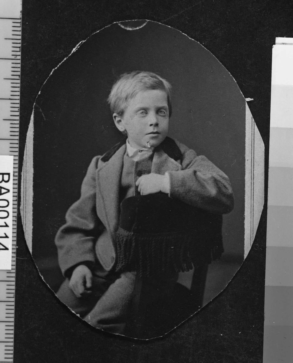 Einar Bjørnson, barneportrett
