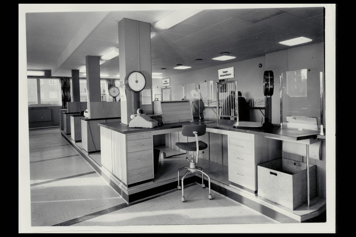 interiør, postkontor, 1101 Lambertseter, ekspedisjon, vekt, regnemaskin