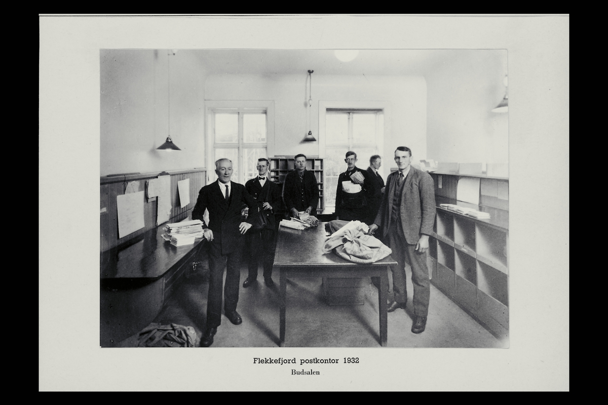 interiør, postkontor, 4400 Flekkefjord, postsekker, sortering, personale, budrom