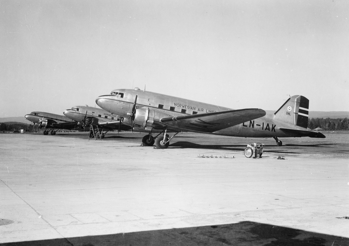 transport, fly, eksteriør, Douglas DC-3, på bakken