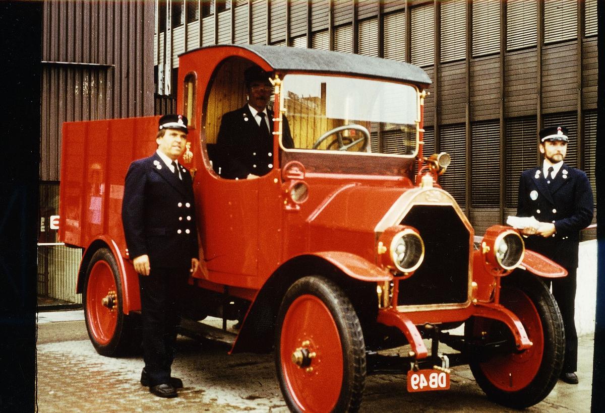 postdager, Oslo, Fiat lastebil, tre menn