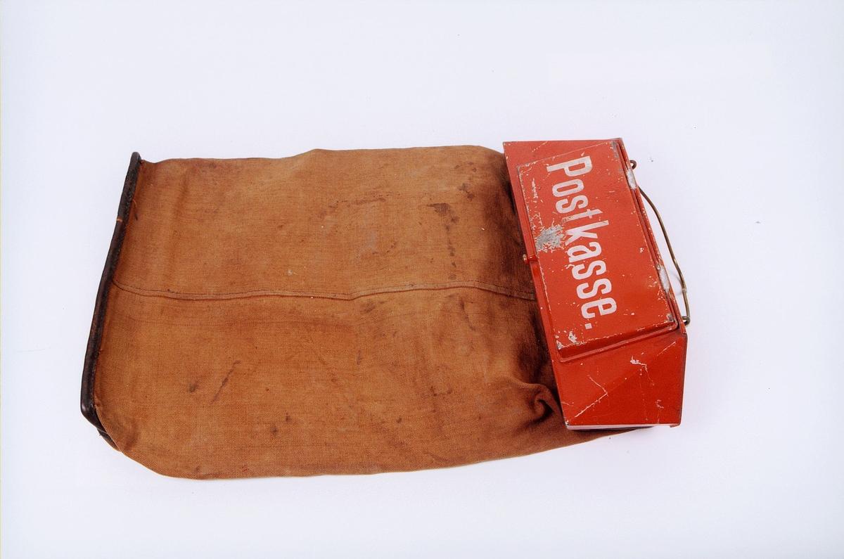 postmuseet, gjenstander, postkasse, feltpostkasse, postkasse med sekk