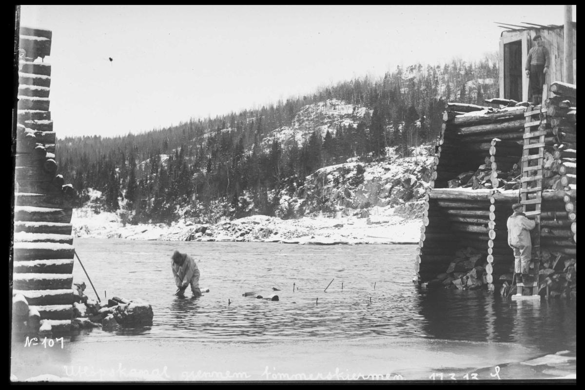 Arendal Fossekompani i begynnelsen av 1900-tallet CD merket 0565, Bilde: 97 Sted: Bøylefoss Beskrivelse: Kistedammen i elva