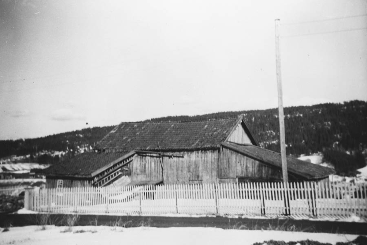 Gård, låve fra ca. 1860.