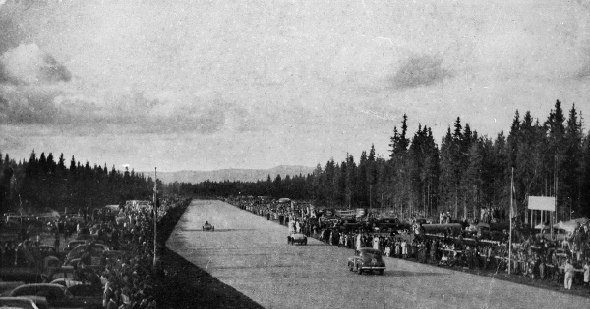 """Norsk motorklubb's første """"Gardermoen-race""""."""