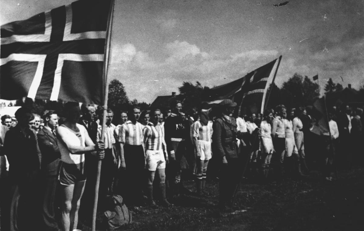 Idrettsbevegelsen starter opp igjen etter krigen.