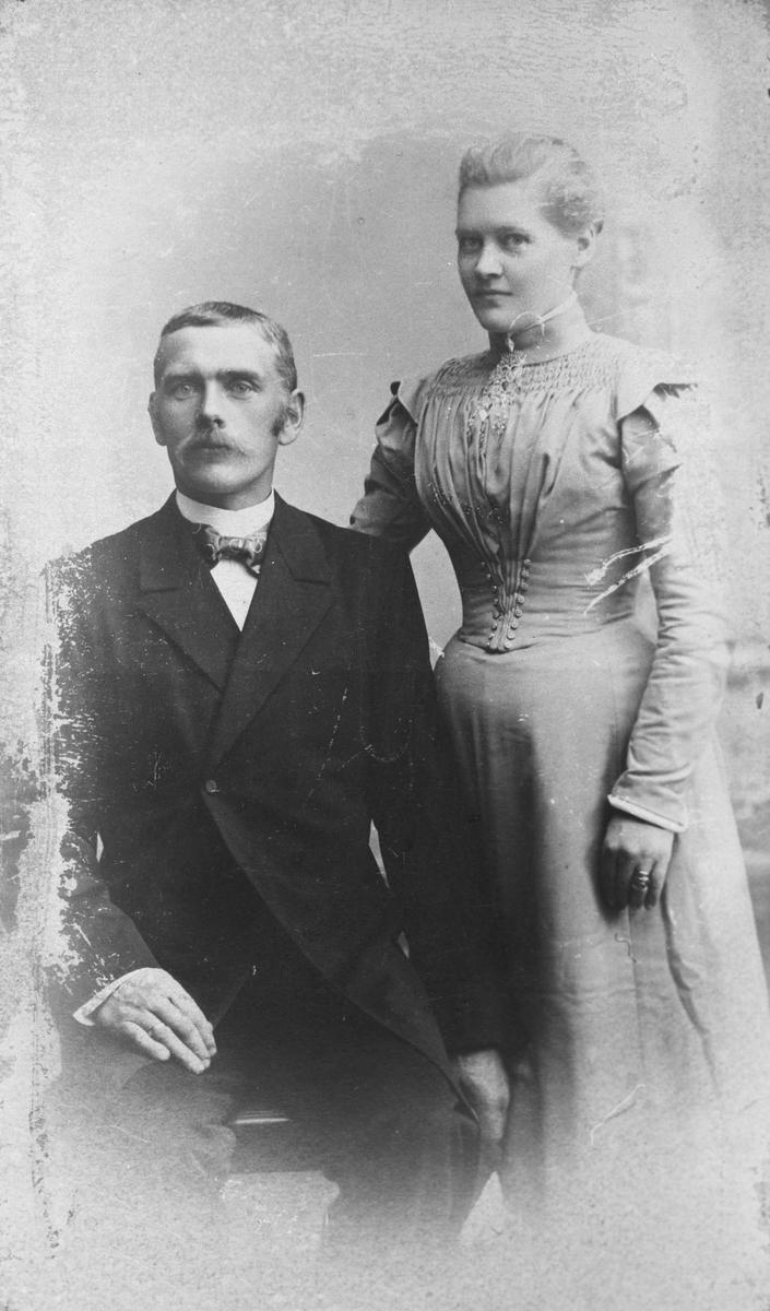 Johan Pettersen f. 1862 og hans kone Kristine f. 25.10.1863