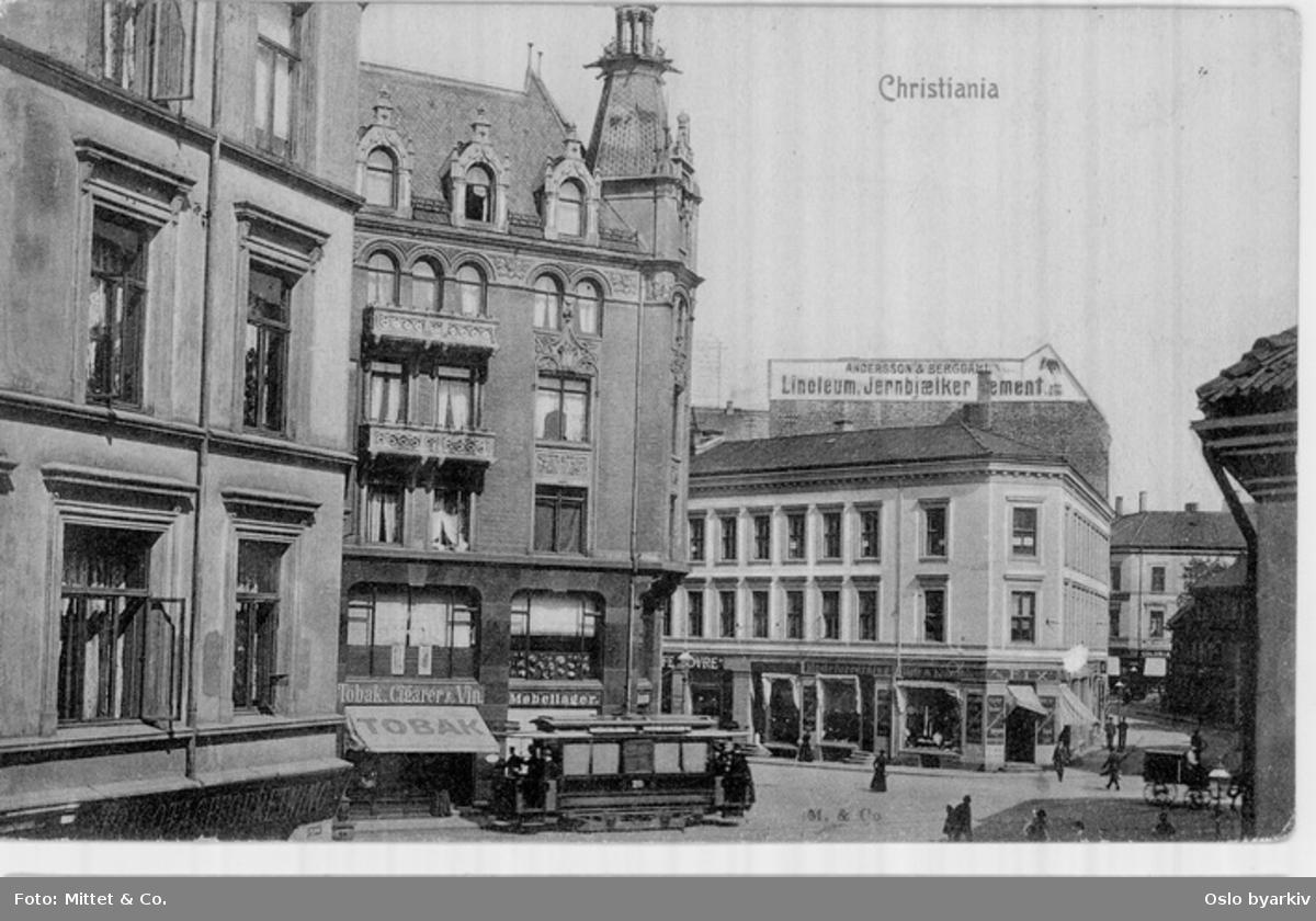 Fra Grensen og innover Pilestredet med bl.a. Peckelgården. Trikken er i øvre del av Rosenkrantz gate ved det som da het Rosenkrantz plass. Postkort.
