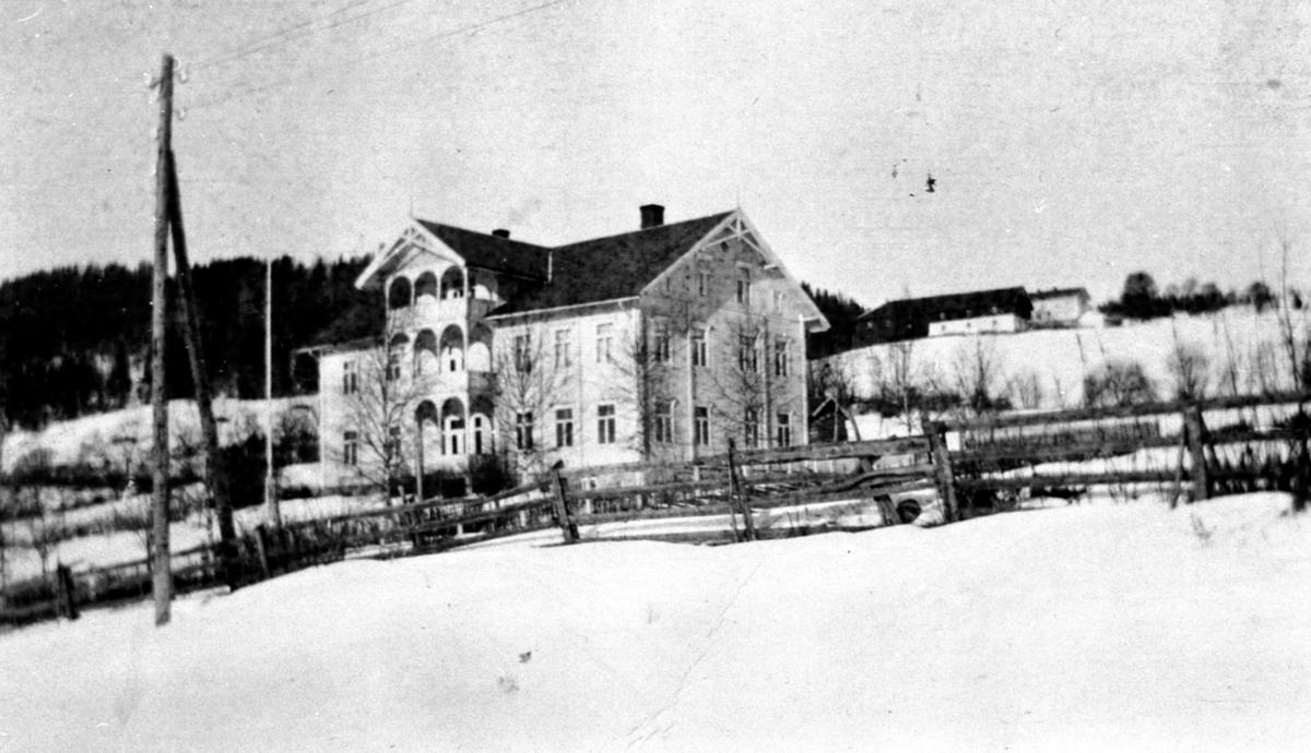Eksteriør, nye Furu skole, Rudshøgda, Ringsaker. Bygget 1911.