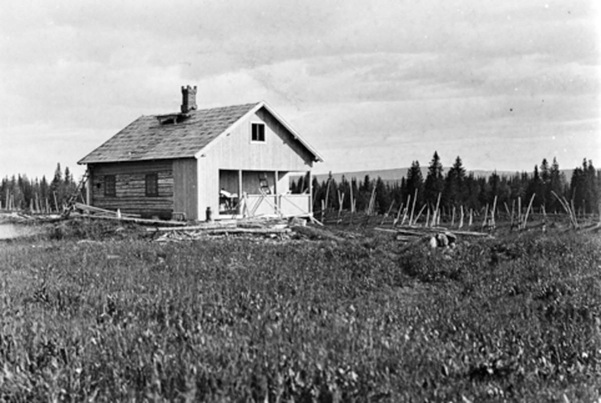 Eksteriør, turistforeningens hytte på Bogstisetra, Gammelskolla, Ringsaker. Satt opp av brødrene Haugli 1932,