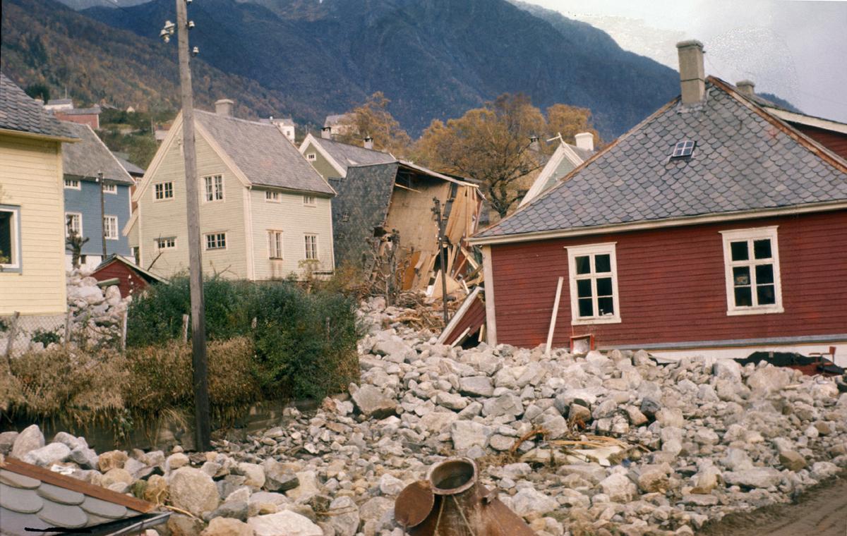 Bygningar, butikk, Egne Hjem, etter flaum, Eitrheimsvegen