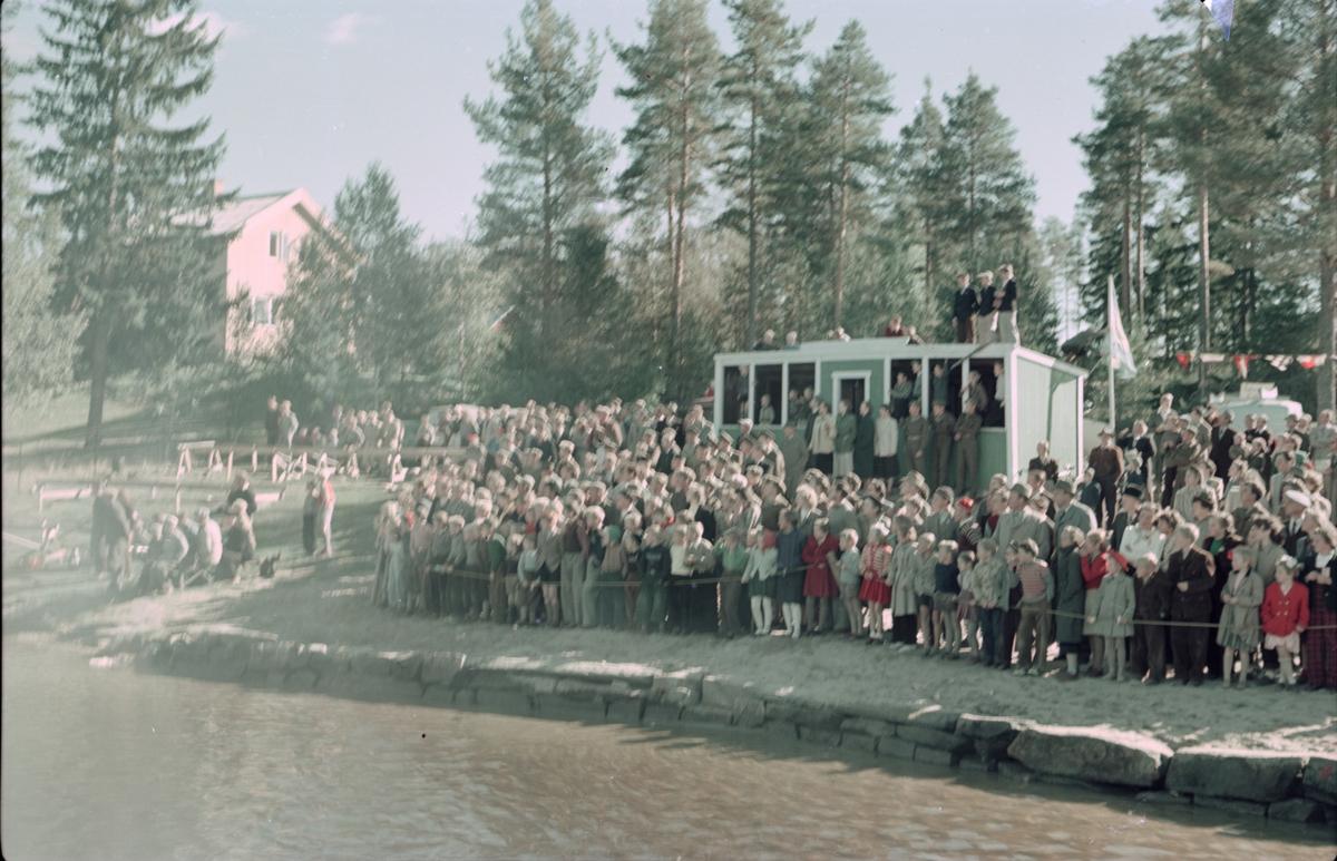 Outboardrace i Sagtjernet. Tilskuere.