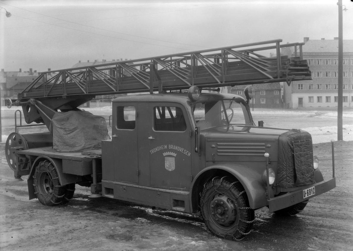 Klöckner brannbil tilhørende Lademoen brannstasjon