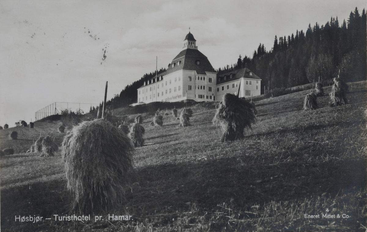 Høsbjør Turisthotel pr. Hamar.