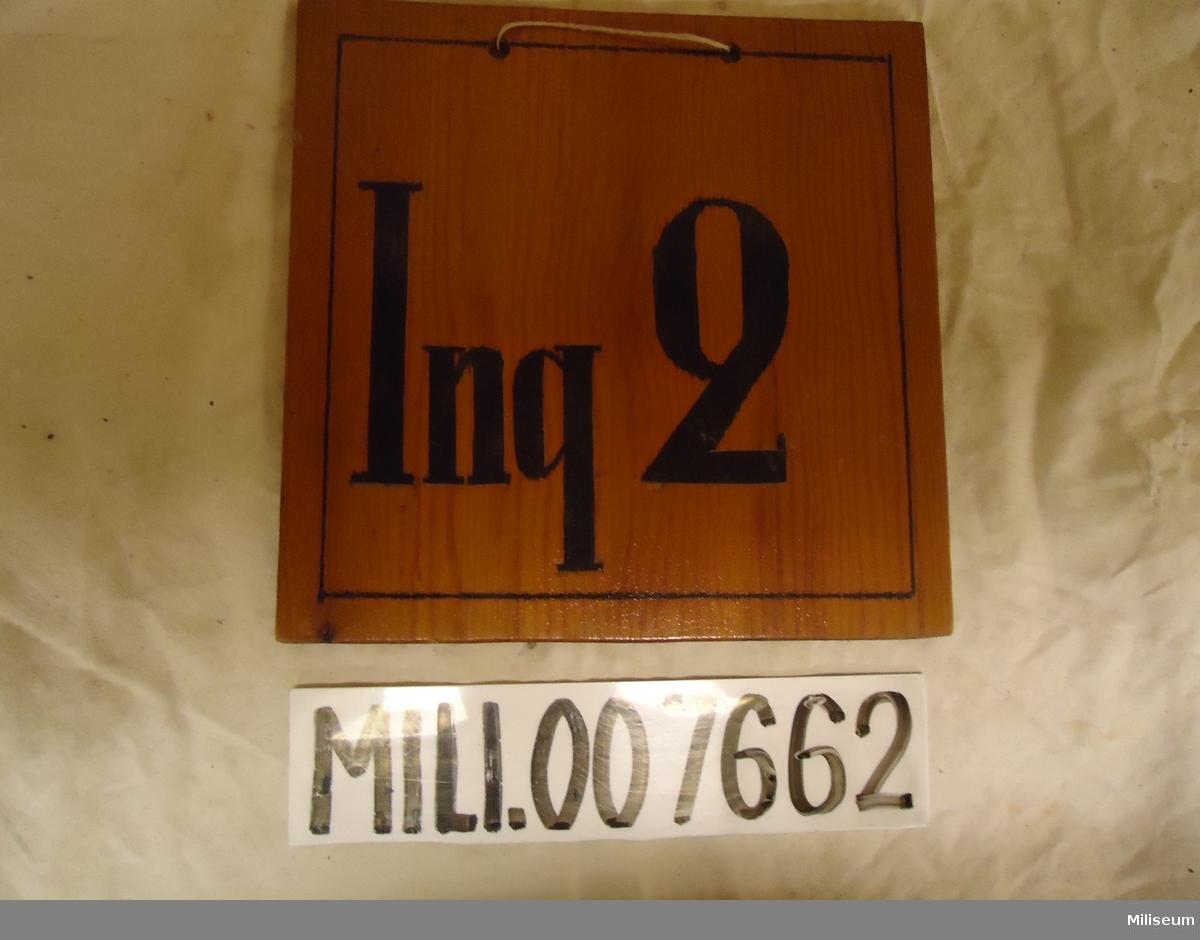 "Fordonsskylt av plywood, c:a 1940, ""Ing 2""."