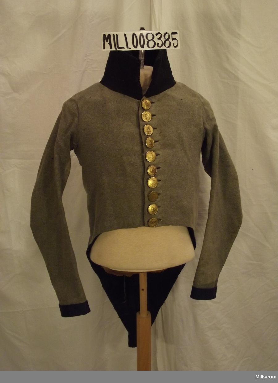 Frack m/1807 för officer vid Jönköpings Regemente. Med knappar m/1806.