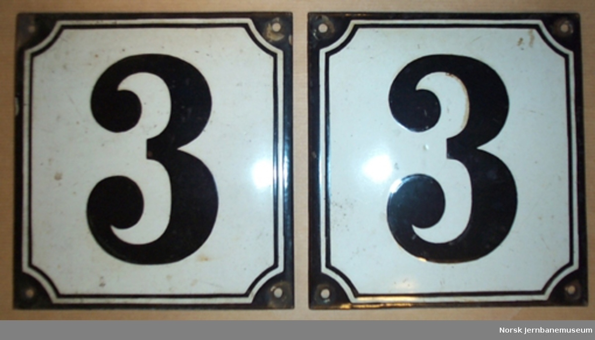 "Skilt for klassebetegnelse : ""3"" - til bruk på personvogner"
