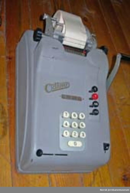 Regnemaskin Odhner modell H954, mekanisk