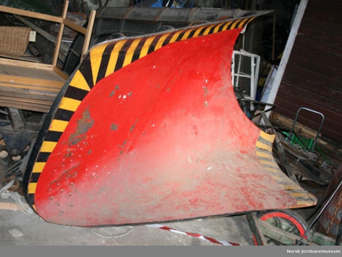 Snøplog : frontplog for damplokomotiv, høyfjellsplog