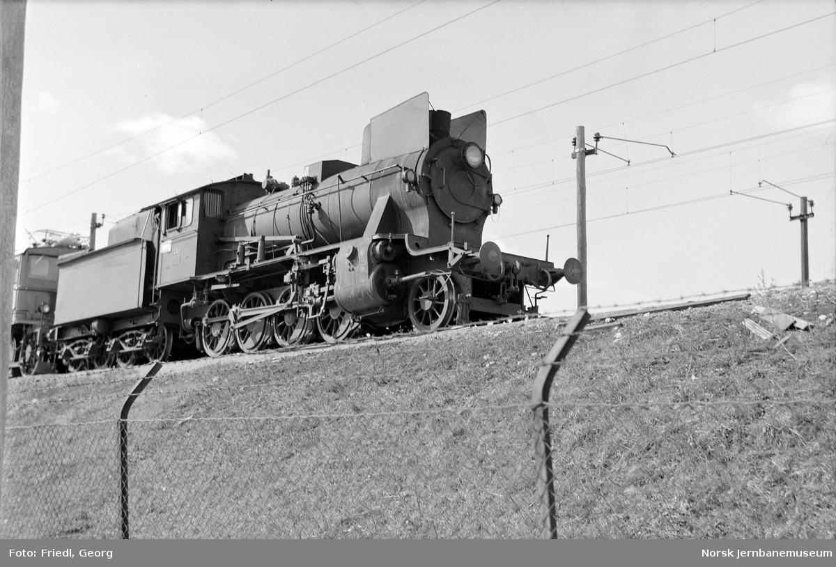 Damplokomotiv type 24b nr. 210 på Grorud